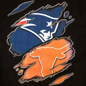 Other - New England Patriots & Texas Men's T-Shirt (Rare)